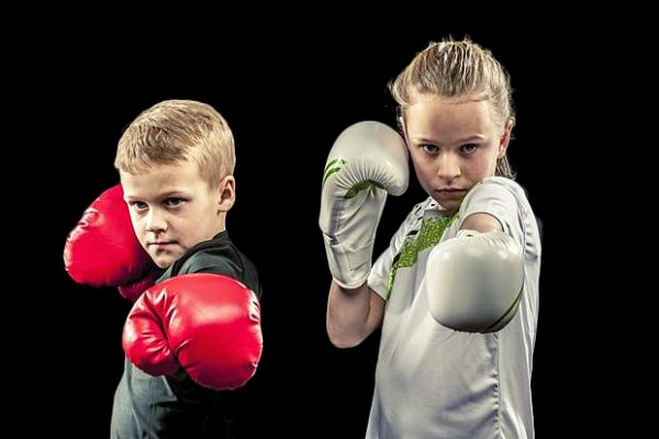 ЗАНЯТИЯ ПО БОКСУ ДЛЯ ДЕТЕЙ И ПОДРОСТКОВ ( 10-16 лет)